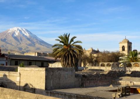 Arequipa_volcano.JPG
